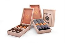 Gift set luxury men´s handkerchiefs in a wooden box imitating cigars - 3 pcs ( code M 58 )