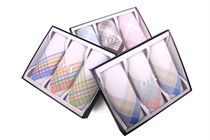 Traditional gift box luxury ladies´ handkerchiefs - 3 pcs ( code L 55 )
