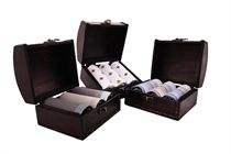 LAST PIECES IN STOCK! Gift set men´s luxury handkerchiefs in wooden chest - 3 pcs. ( code M53 )