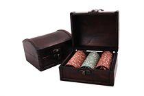 LAST PIECES IN STOCK! Dárková sada luxusních dámských kapesníků v dřevěné truhličce - 3 ks ( kód L 53 )