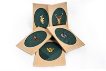 Gift box with one embroidered handkerchief - hunting motive (roe deer, deer, horn, grouse, pheasant) - 1 pc. ( code M48 )