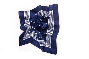 Šátek hlavový - vzor puntík modrý; rozměr 70x70 cm ( kód B 01)